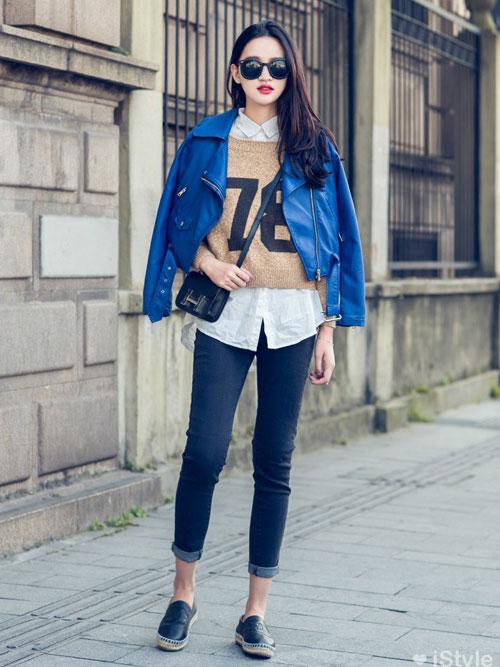 Thời trang với độ đôi áo len cùng quần jean