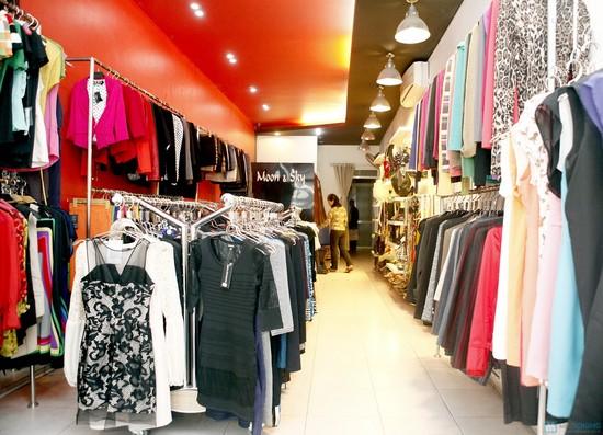 Shop thời trang có nhiều hàng và uy tín