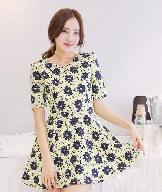 Mẫu váy xòe hoa tôn vóc dáng