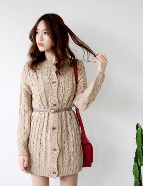 Áo len vẫn tạo nên phong cách quyến rũ mỗi ngày