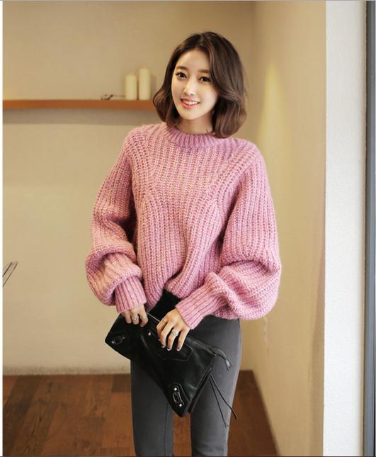 Áo len màu hồng pastel dịu dàng và nữ tính