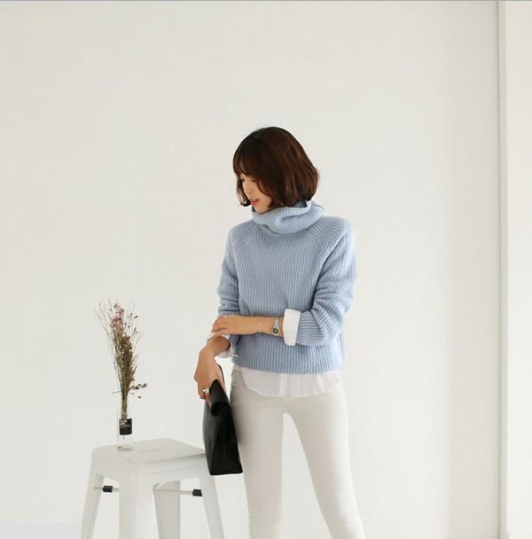 Thu hút nơi công sở với áo len màu xanh pastel