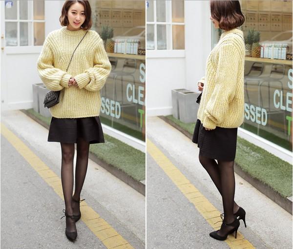 Dịu nhẹ ngày đông với áo len gam màu vàng pastel