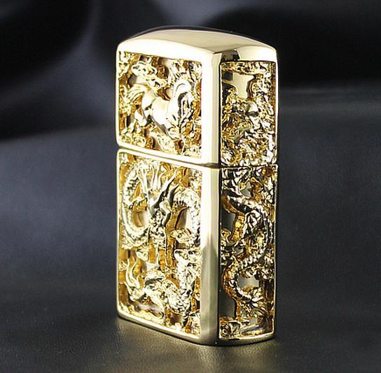 Zippo rồng ngựa ốp vàng có thiết kế đẹp mắt