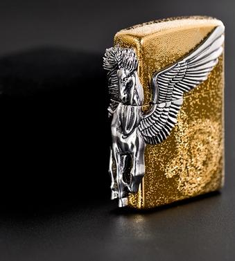 Zippo ngựa Pegasas mạ vàng