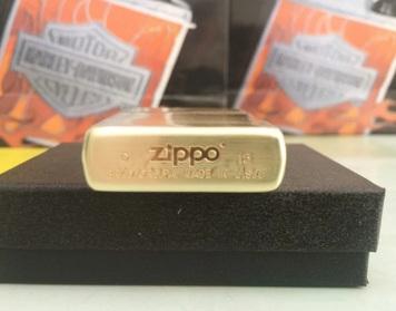 Zippo Mỹ xuất Nhật dập nổi Made in USA 03
