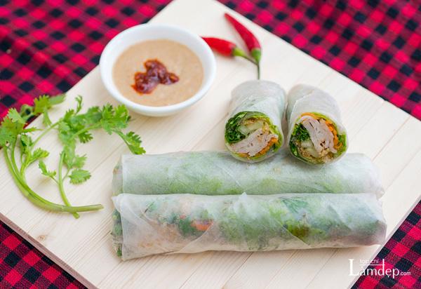 Chả cá Nguyễn Nghiêm cuốn bánh tráng