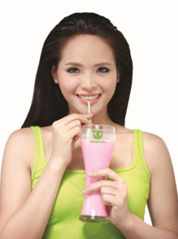 uong-sua-herbalife-giam-can