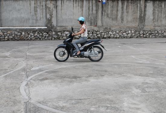 khóa học lái xe mô tô hạng a1