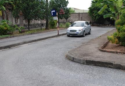 sân bãi tập lái xe ô tô trung tâm đào tạo lái xe long biên