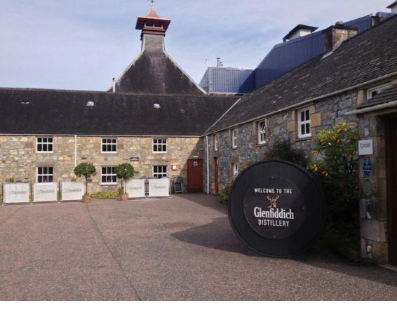 Bán rượu Glenfiddich 26 năm