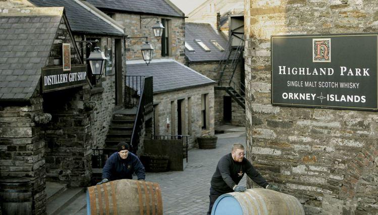 giá rượu Highland Park 8 năm