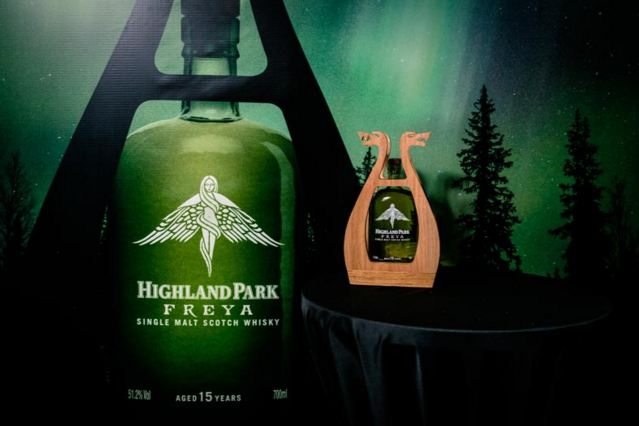 Mua rượu Highland Park Freya 15 năm