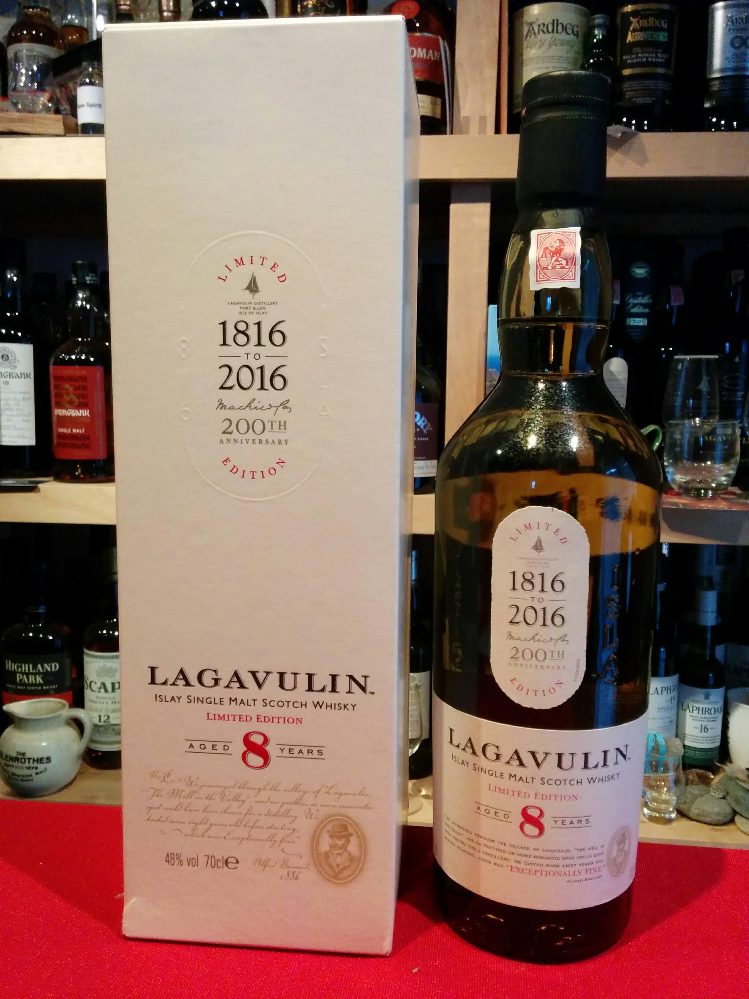 giá rượu Lagavulin 8 năm
