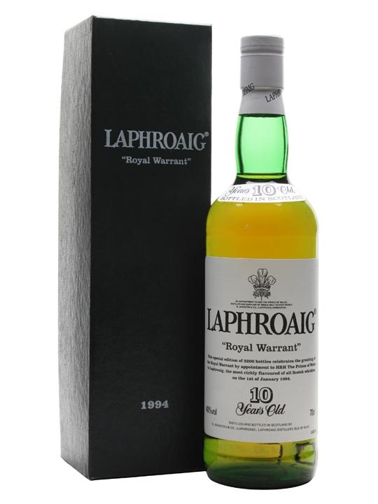 giá rượu Laphroaig 10 năm Royal Warrant