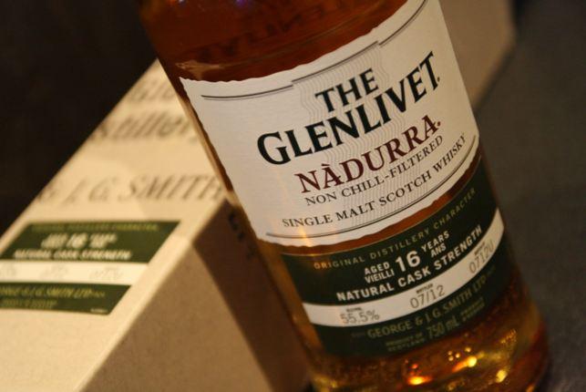Bán rượu Glenlivet Nadurra 16 năm