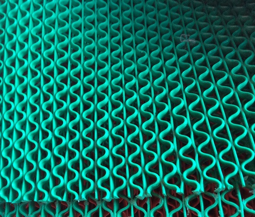 Thảm nhựa lưới xanh lá