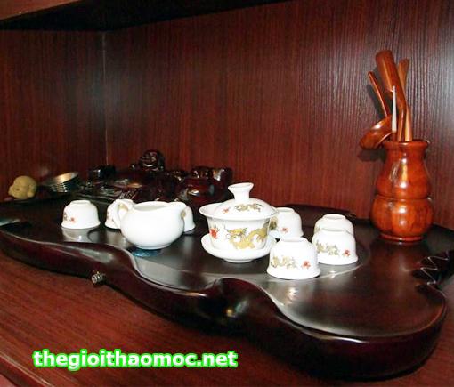 Khay trà gỗ chạm tượng Phật Di Lặc