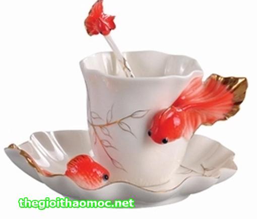 Ly tách sứ cá vàng