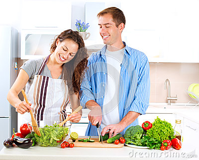 couple-cooking-together-27255887.jpg