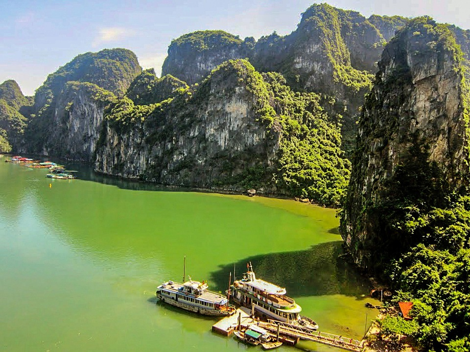halong bay vietnam travel consultant