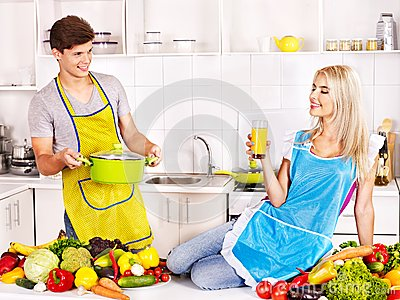 mother-little-daughter-cooking-.jpg